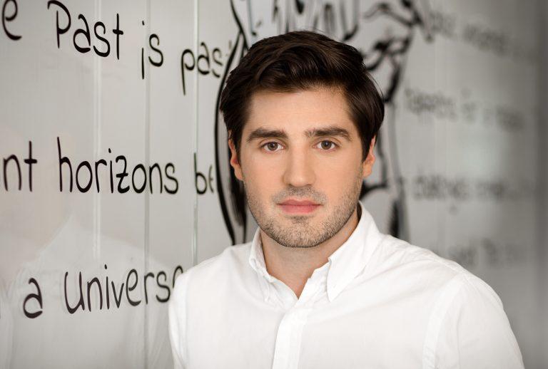 Adrien Salvat, Leiter der Versandabteilung bei WebInterpret