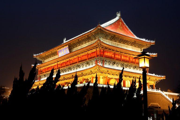china ecommerce by night 768x512